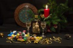 Романтичный обедающий света горящей свечи Стоковые Фотографии RF