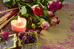 Романтичный до жизни с свечой Стоковое Фото