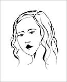 Романтичный портрет молодой красивой девушки с длинными волнистыми волосами Стоковые Фотографии RF