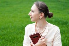 Романтичный портрет молодой красивой женщины Стоковое Изображение RF