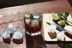 Ром с льдом Коктеиль, виски Стоковые Изображения