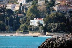 Роскошная вилла на пляже в Франции стоковые изображения rf