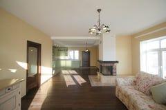 Роскошная живущая комната, красивый вход Стоковая Фотография