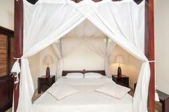 Роскошная и красивая гостиница спальни Стоковые Изображения