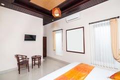 Роскошная и красивая гостиница спальни Стоковые Изображения RF
