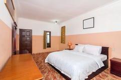 Роскошная и красивая гостиница спальни Стоковые Фото