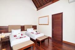 Роскошная и романтичная двойная гостиница спальни Стоковое фото RF