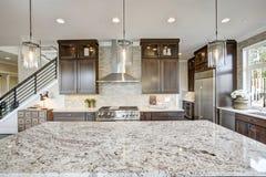 Роскошная кухня в доме нового строительства Стоковое Изображение RF