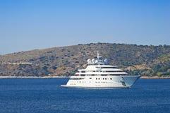 Роскошная мега яхта стоковое фото