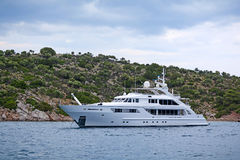 Роскошная мотор-яхта Стоковое Фото