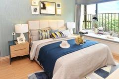 Роскошная домашняя спальня стоковые изображения
