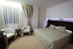 Роскошная спальня стоковое изображение