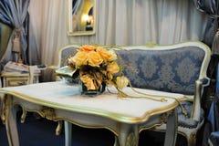 роскошная таблица софы Стоковая Фотография RF