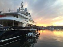 Роскошная яхта в гавани St Tropez стоковое фото rf
