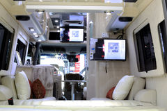 Роскошное внутреннее художественное оформление в автомобиле передвижного дома Benz Мерседес стоковая фотография