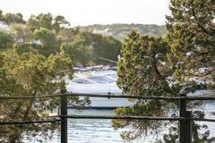 Роскошное yatch в порте Стоковые Изображения