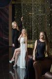 Роскошные девушки в платьях вечера красивейше Стоковая Фотография