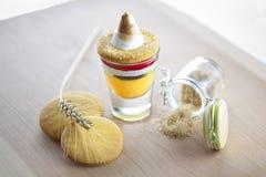 Роскошные десерт и желтый сахарный песок Стоковое Фото
