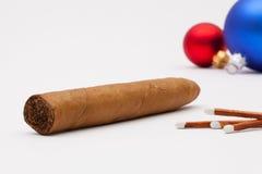 Роскошные кубинськие сигары и украшение рождества Стоковое фото RF