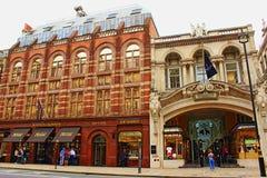Роскошные магазины Piccadilly Mayfair, Лондон Англия Стоковое Фото