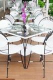 Роскошные обеденные столы устанавливают внешние рестораны, Таиланд. стоковые изображения rf