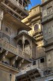 Роскошные дома на главным образом квадрате форта Jaisalmer, Индии Стоковые Фотографии RF