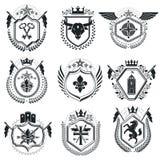 Роскошные heraldic шаблоны эмблемы векторов Blazons вектора первоклассно иллюстрация вектора