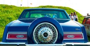 Роскошный американский винтажный автомобиль Buick Riviera на фестивале ретро t стоковые фото