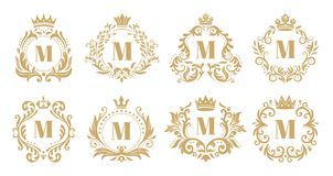 Роскошный вензель Винтажный логотип кроны, золотые орнаментальные вензеля и heraldic набор вектора орнамента венка иллюстрация штока