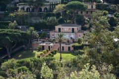 Роскошный дом в St Tropez стоковые фотографии rf