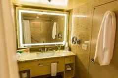Роскошный интерьер ванной комнаты или туалета гостиницы Стоковое Фото