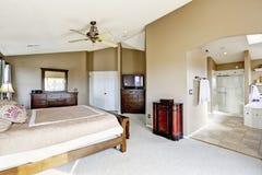 Роскошный интерьер спальни хозяев Стоковые Изображения RF