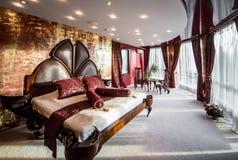 Роскошный интерьер спальни Стоковые Изображения