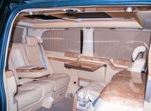 Роскошный интерьер фургона Фургон высокого класса внутренний с кожей стоковые изображения