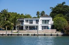 Роскошный особняк в Майами Стоковые Фотографии RF