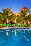 Роскошный пейзаж бассейна в Мексике Стоковая Фотография