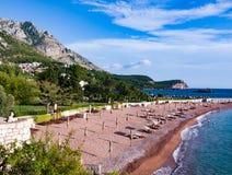 Роскошный пляж около острова Sveti Stefan Стоковое Изображение RF