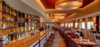 Роскошный ресторан в европейском стиле стоковое изображение