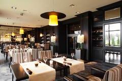 Роскошный ресторан в европейском стиле Стоковые Фотографии RF