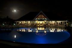 Роскошный ресторан в ноче на Varadero, Кубе Стоковые Изображения