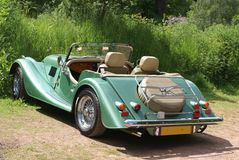 Роскошный спорт или классический зеленый автомобиль Стоковые Изображения