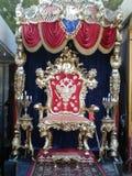 Роскошный трон стоковые изображения