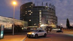 Роскошный фасад Европейского парламента Urus SUV Lamborghini акции видеоматериалы