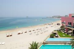 роскошь гостиницы пляжа Стоковое фото RF