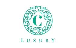 Роскошь логотипа письма c Логотип косметик красоты иллюстрация вектора