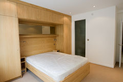роскошь строения спальни новая стоковое изображение rf