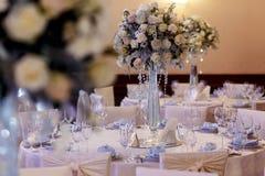 Роскошь украсила таблицы на богатом приеме по случаю бракосочетания стильное arran стоковое фото rf