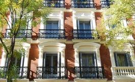 роскошь фасада жилого дома Стоковые Изображения