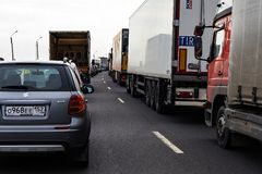 Россия, Москва, 30-ое апреля 2018, на шоссе автомобиля в движении, редакционном Стоковая Фотография RF