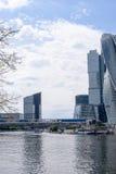 РОССИЯ, МОСКВА - 30-ое июня 2017: Деловый центр Москвы Москв-города зданий небоскреба международный - современное коммерчески dis Стоковая Фотография
